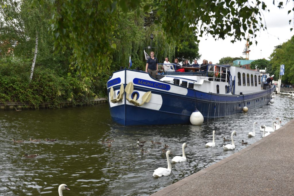 approaching the mooring in Windsor