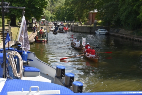 swan uppers leaving Cookham lock